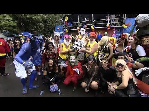 شاهد.. آلاف البرازيلين يشاركون في مهرجان -الأبطال الخارقين- …  - 06:53-2019 / 2 / 18