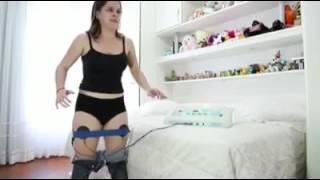 Kadınlar bir pantolona sığmak için.