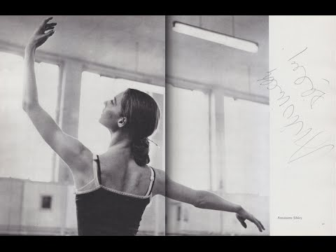 Antoinette Sibley as Aurora with Peter Schaufuss (and Anthony Dowell, Mikhail Baryshnikov on Vimeo)