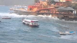 mar de fondo Acapulco 03/04/2015