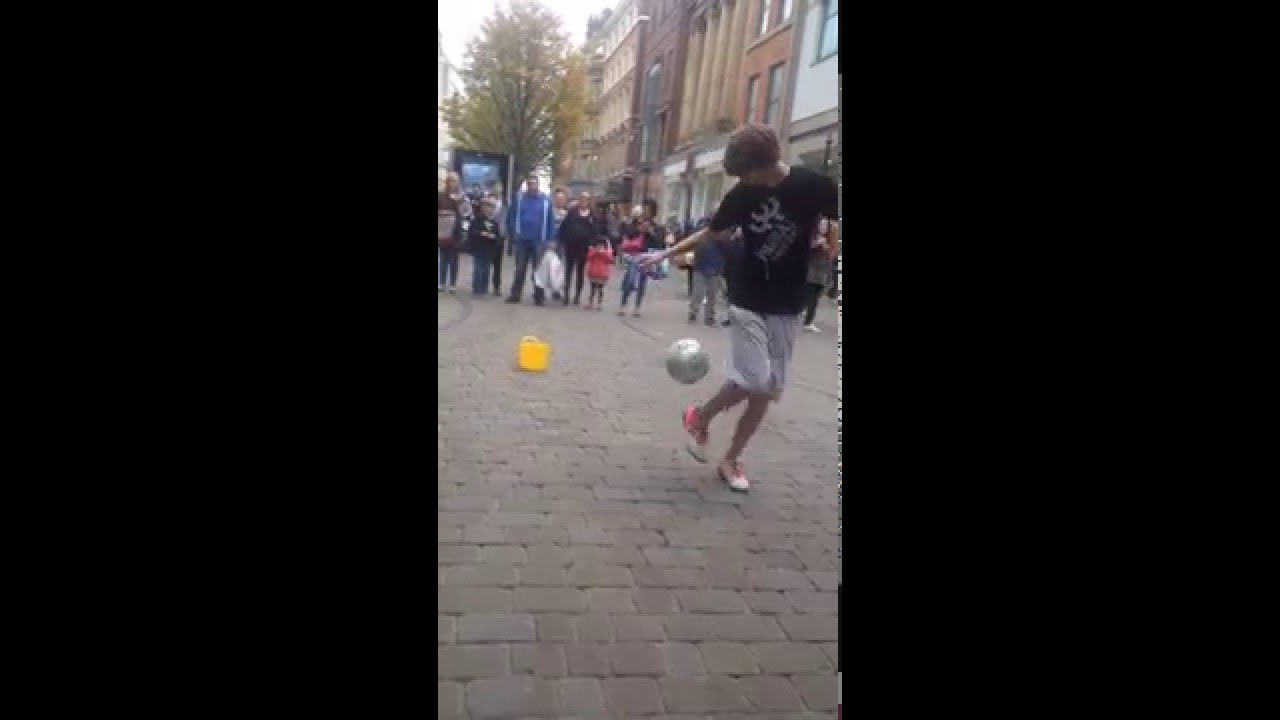 Cool soccer tricks/skills in picadilly... - YouTube