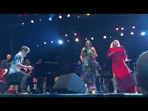 Pink Martini at Oregon Zoo, Brasil, with Storm Large & China Forbes