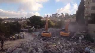 الاحتلال يهدم أربعة مساكن بحي الطور في القدس
