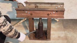 самодельный гидравлический Трубогиб для круглой трубы.(видео обзор самодельного трубогиба работающего от домкрата., 2015-04-15T17:25:13.000Z)