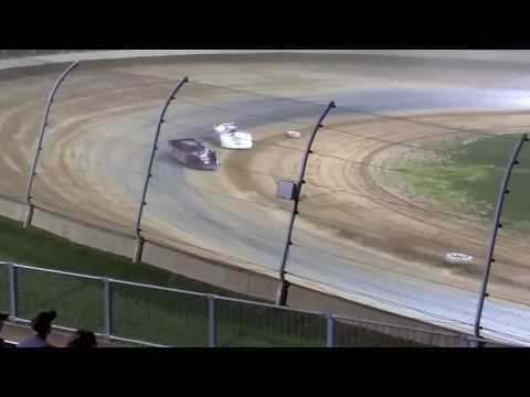 Late models feature at Lawrenceburg speedway 7/1/17