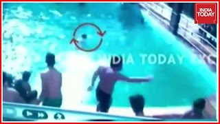 Repeat youtube video Trained Swimmer Drowned To Death In Pool Caught On Camera