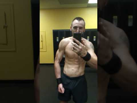 Planet Fitness Work Out Poseing Shredded