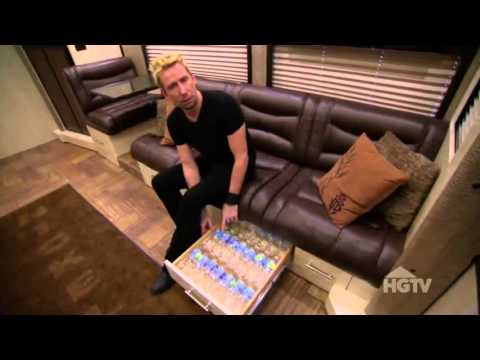 Download Youtube: Chad Kroeger Tour Bus 2012