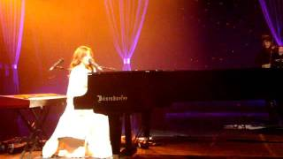 Tori Amos - CARRY live (Vienna, 2011)