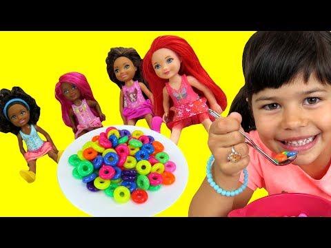 cheerios-rainbow-cereals---chelsea-barbie-dreamtopia-dolls-enjoy-eating-colorful-fruit-loops---mess