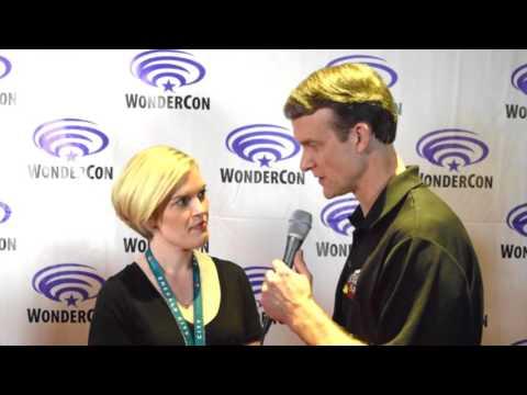 Kari Wahlgren (Starfire) interview at WonderCon for #JLvsTT