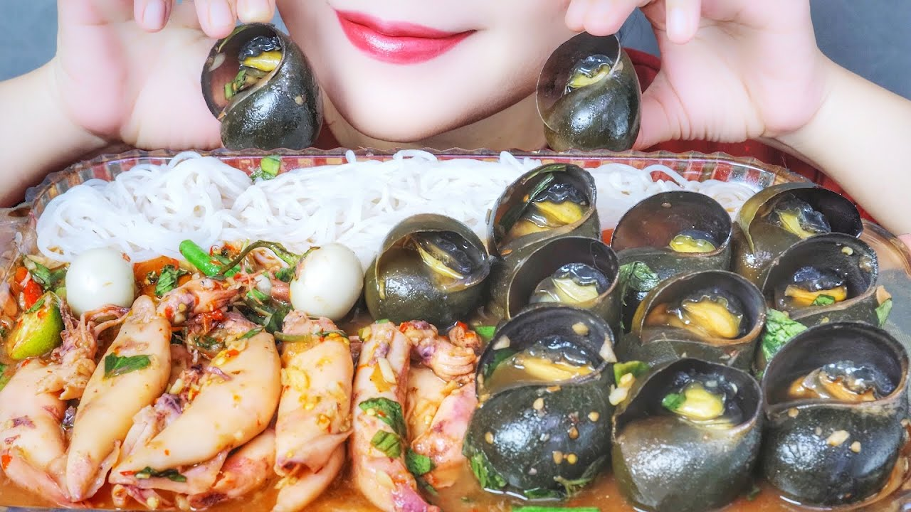 ASME EATING APPLE SNAILS X EGGS SQUID X SPICY THAI SAUCE , EATING SOUNDS | LINH-ASMR