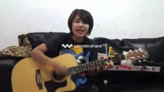 Riska Afrilia Indonesian Idol 2014 - LALUNA - TAK MUDAH MELUPAKANMU Cover  Drizz Gautisha