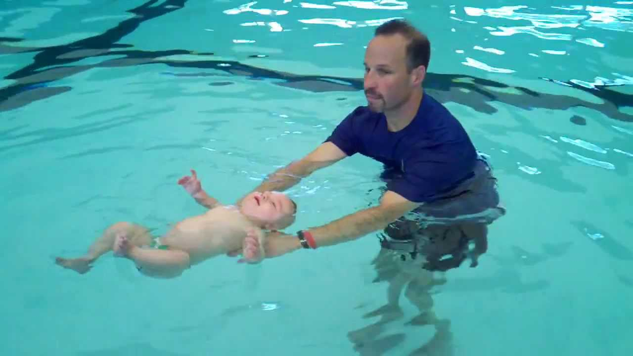 Baby floating by himself during isr swim lesson wow youtube 3 month old baby swimming pool