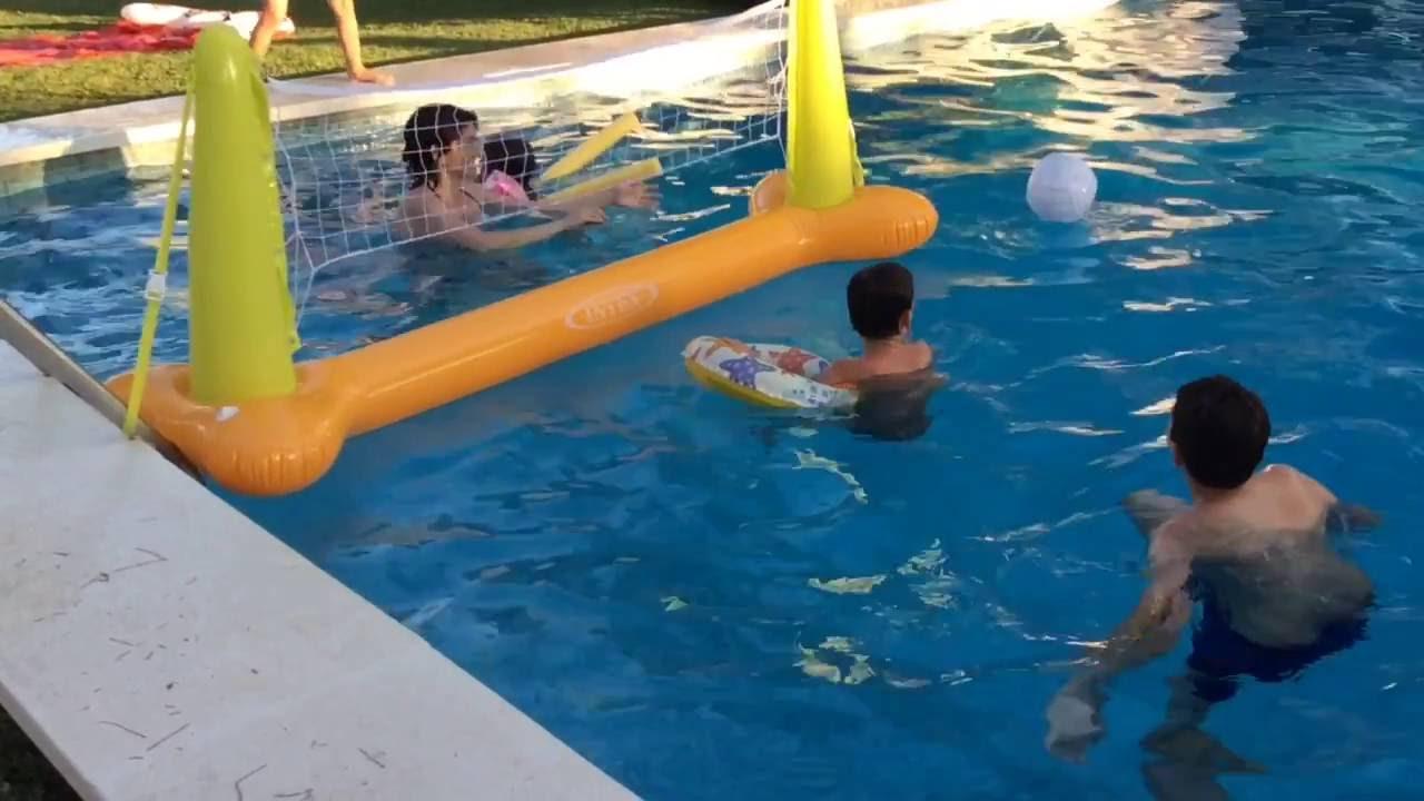juegos de voleibol en piscina