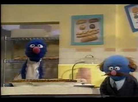 Sesame Street - Grover the Baker