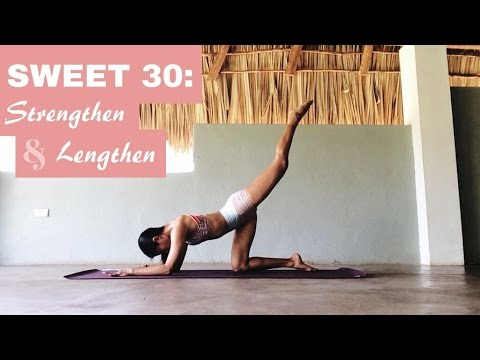 30 min. Yoga Flow: Core, Glutes & A Fallen Triangle