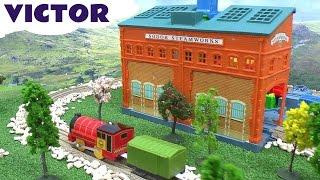 Thomas The Tank Engine Victor Thomas y Sus Amigos Steamworks Trackmaster Toy Train Tomac Tomas
