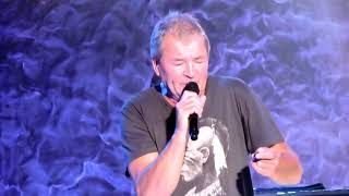 Download Deep Purple Space Truckin' / Smoke On The Water Live on 2017 Long Goodbye Tour MP3 song and Music Video
