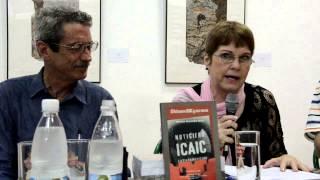 Mayra Álvarez en la presentación del libro El Noticiero ICAIC y sus voces (22-02-2013)