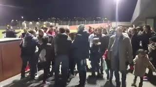 حصريا لرياضة ٢٤.. الجمهور يحاصر محمد صلاح للتصوير معه في سويسرا