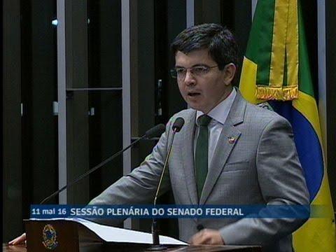 Randolfe Rodrigues justifica voto contrário à admissibilidade do processo de impeachment