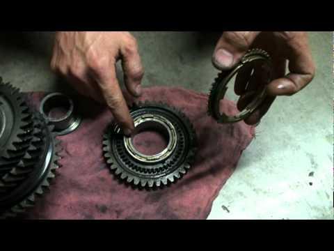 Mitsubishi 5spd gearbox synchro tech  YouTube