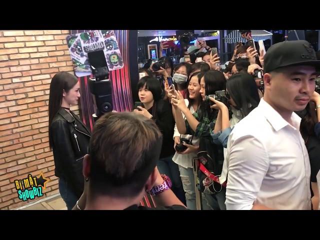 [8VBIZ] - Jun Vũ (Tuyết Anh) gây náo loạn buổi ra mắt phim với dàn fan hùng hậu