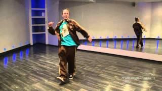 Илья Вяльцев - урок 3: видео танец хаус