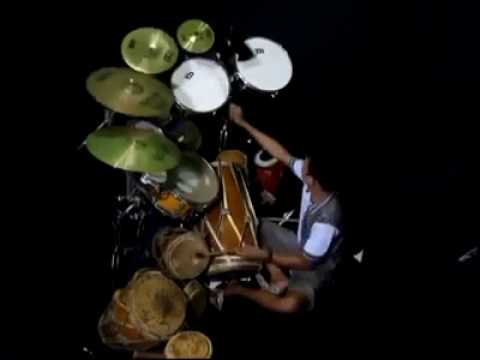 Multitalent Pemain Gendang, Ketipung dan Drum