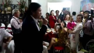 Đoạn video ông Nguyễn Bá Thanh hát về mẹ gây xúc động mạnh