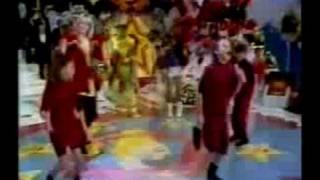 "Trem da alegria canta ""Pula corda"" no Xou da Xuxa (Amanda,Rubinho,Juninho Bill)"