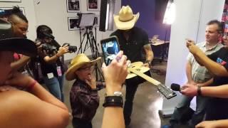 Austin meeting his idol, Jason Aldean!