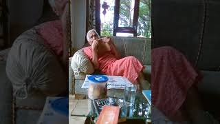 Video of A Smart Old Lady from Singapore