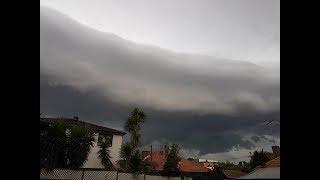 """Cloud """"Tsunami"""" rolls over Sydney"""