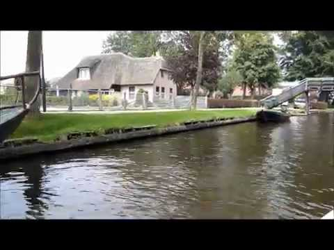 Giethoorn - The Venice of Holland - Village without streets - Overrijssel - Netherlands