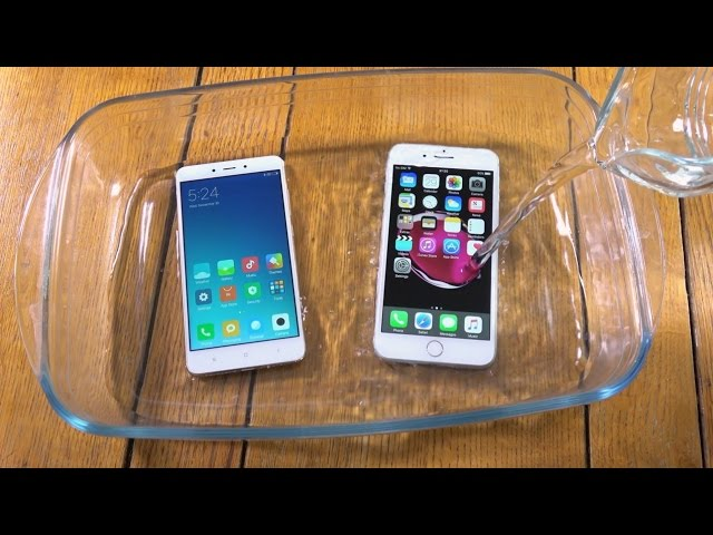 Xiaomi Redmi Note 4 and iPhone 7 Plus - Water Test!