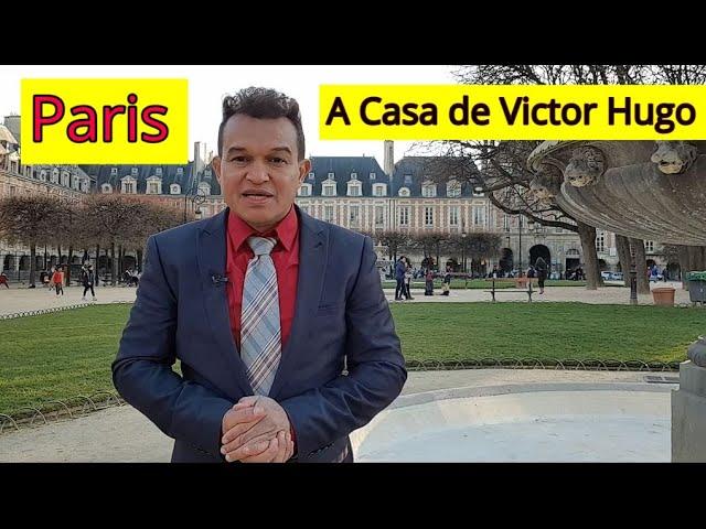Conheça em  Paris a casa do escritor e humanista Victor Hugo.