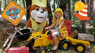 Rubble Clears a Path for the Kids !!! ~ Huge PAW PATROL Pup ~