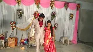 Newly marrege couple dancing on stage ondu malebillu song from movie chakravarti