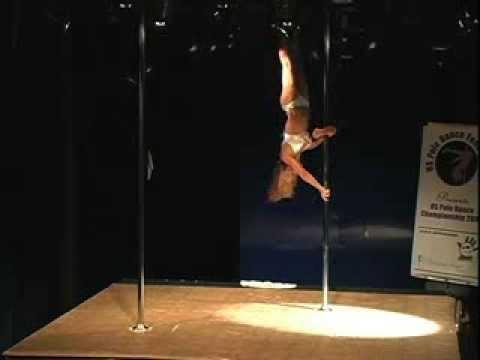 Соревнования по женскому стриптизу