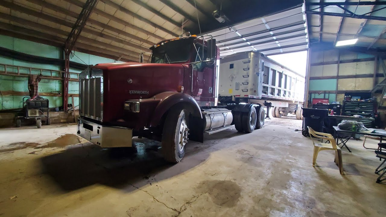 Service calls Mack and Kenworth