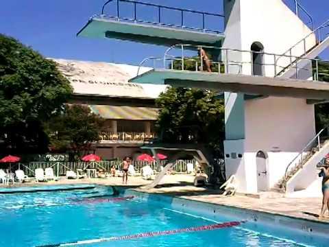 Trampolim da piscina do corinthians youtube for Piscinas fotos modelos