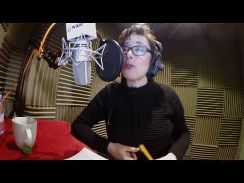 Waze Voice Alert: Sue Perkins Drives you Home for Christmas