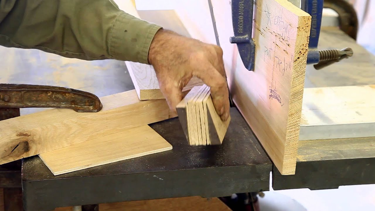 How to laminate wood with epoxy for wooden boat building (Part 1 of 2) - YouTube