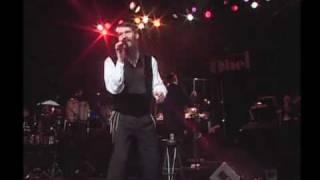 Avraham Fried Singing L'vinyomin