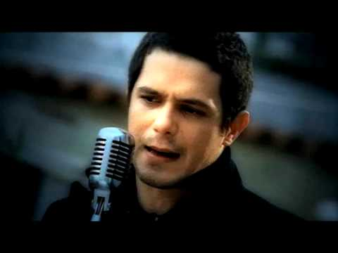 Alejandro Sanz - Amiga Mia (Official Music Video)
