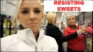 RESISTING SWEETS & LEG WORKOUT | FAMILY VLOG