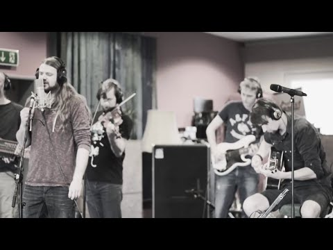 VERSENGOLD - Ihr seid Musik (offizielles Video) | Zeitlos
