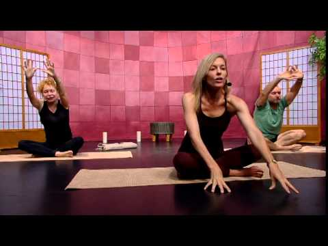 Forever Yoga (S1E9)